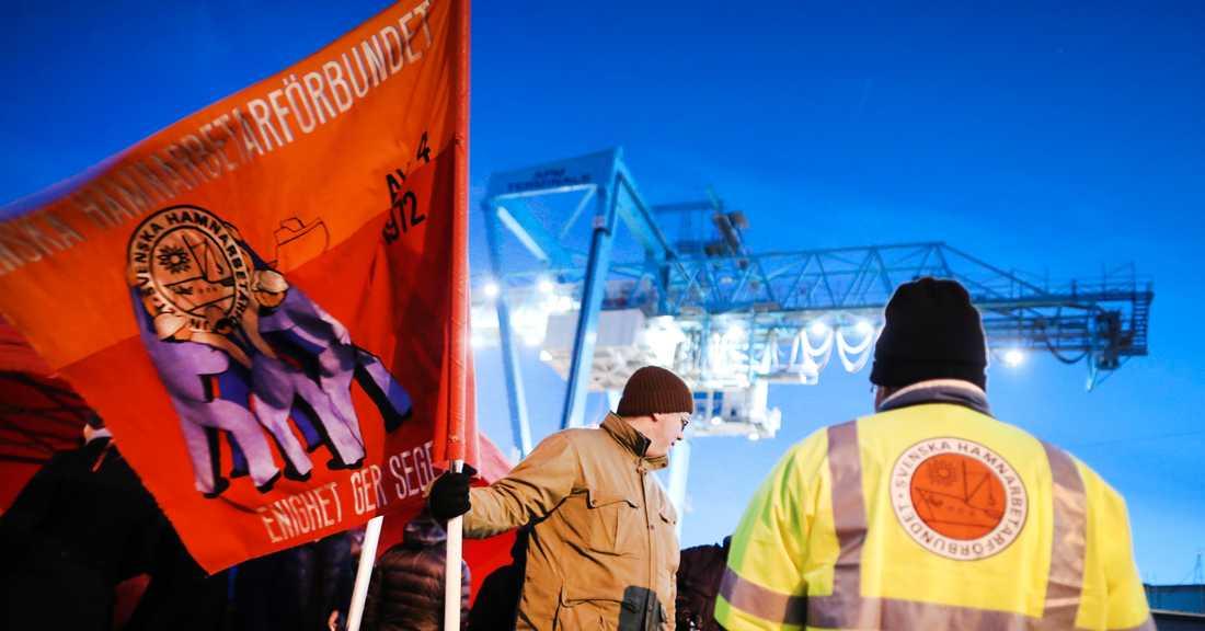 I tisdags lyckades hamnarbetare och arbetsgivare i Göteborgs hamnar att komma överens om ett kollektivavtal efter många konfliktfyllda år.
