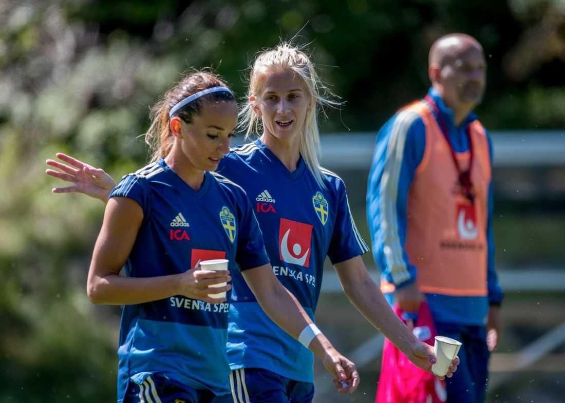 Kosovare Asllani och Sofia Jakobsson är numera officiellt Real Madrid-spelare. Arkivbild.
