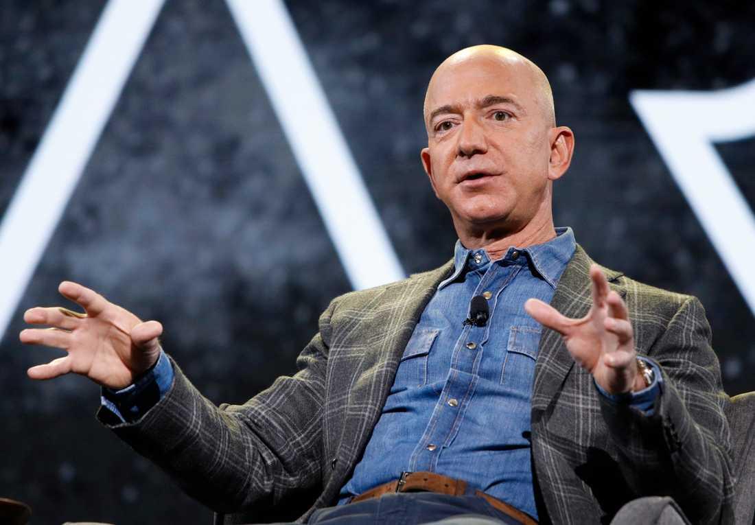 Amazons Jeff Bezos talar inför sina medarbetare, i Las Vegas den 6 juni 2019.