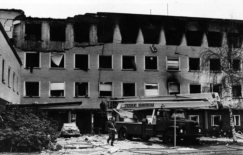 Västtysklands ambassad efter gisslandramat 1975, det största terrordådet hittills på svensk mark. En grupp tyska terrorister ur RAF (Rote Armee Fraktion) försökte få ledarna Andreas Baader och Ulrike Meinhof frigivna genom att ta gisslan på ambassaden.