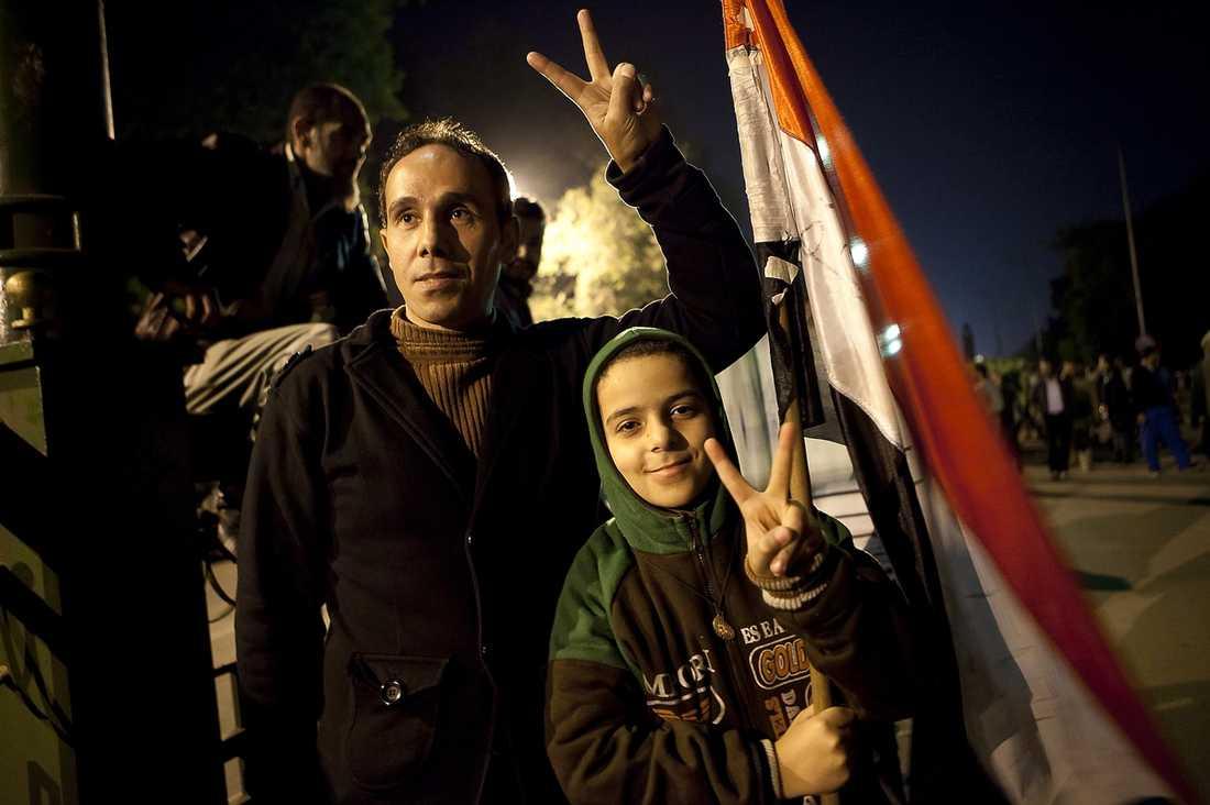 """""""Min tioårige son Ahmed har fortfarande svårt med andningen efter att polisen använde tårgas mot honom"""", säger Mohamed Adabd el Khalek."""
