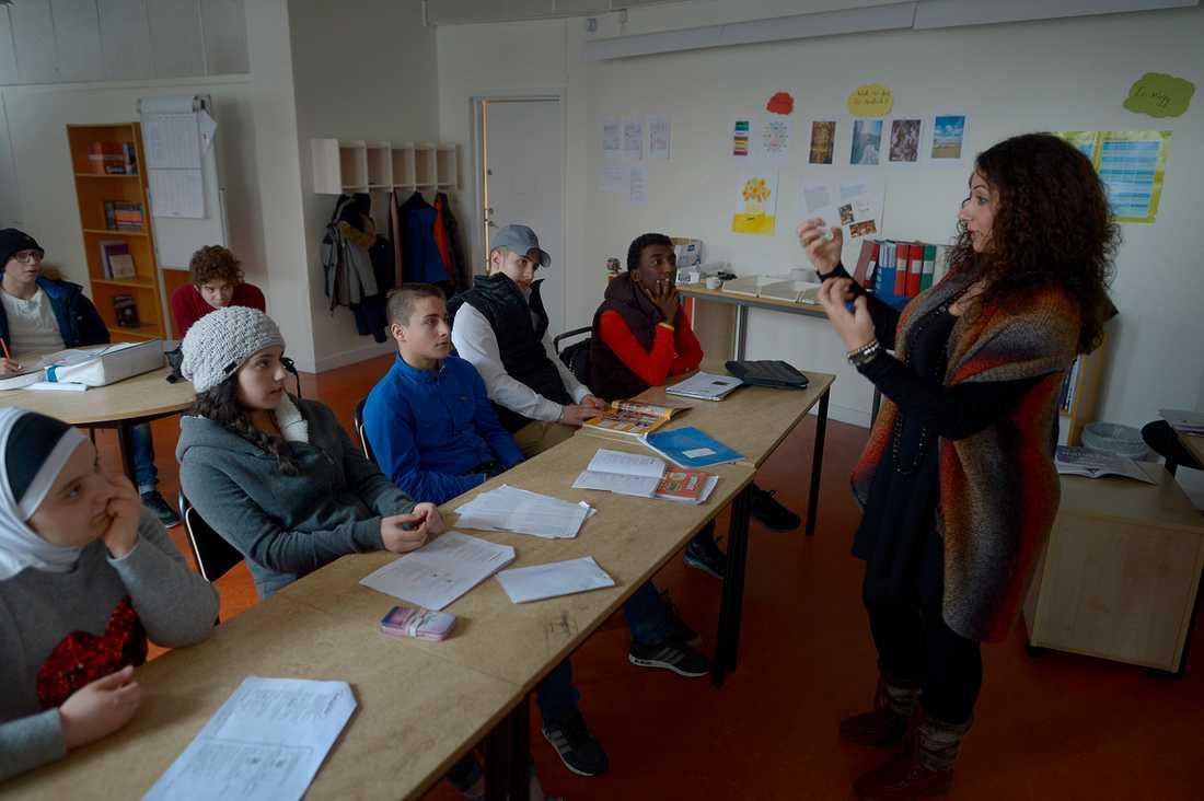 Undervisningen i förberedelseklassen sker parallellt på svenska och arabiska.