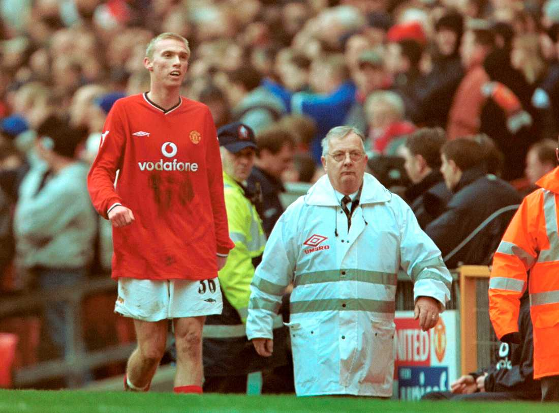 Luke Chadwick mot Liverpool i Premier League 2000.