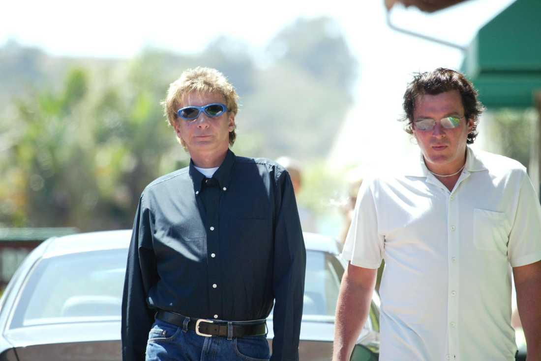 Barry Manilow tillsammans med maken Garry Kief.