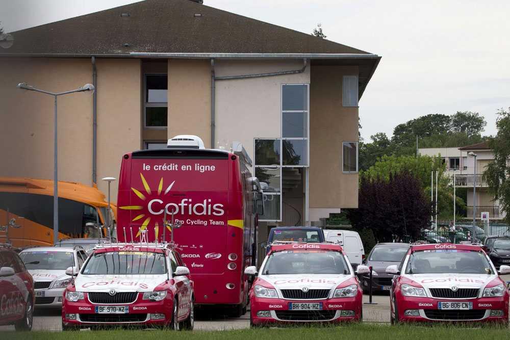 Polisen gjorde en razzia mot det franska cykelstallet Cofidis.
