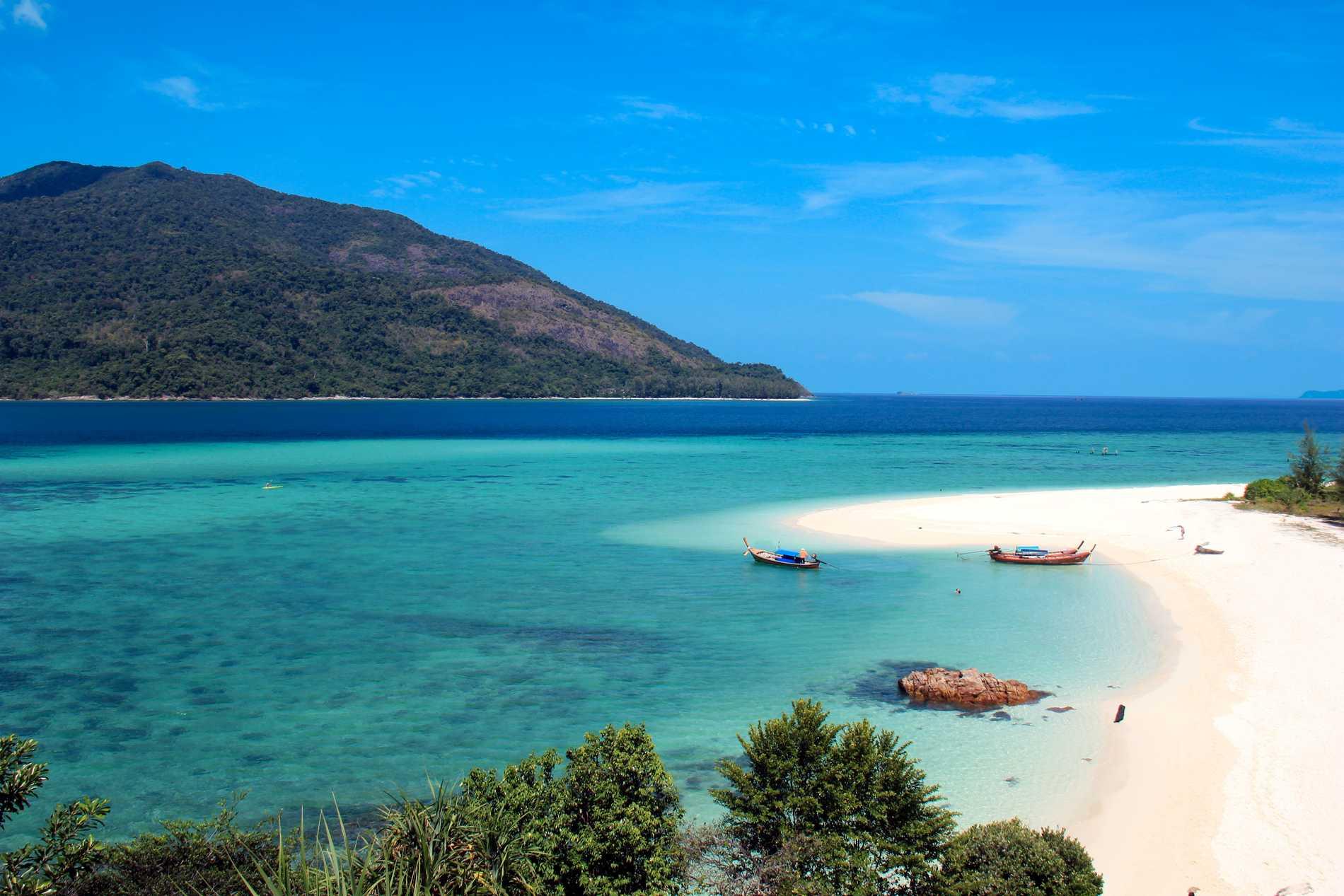 Koh Lipe ligger så långt söderut som du kan komma i Thailand.