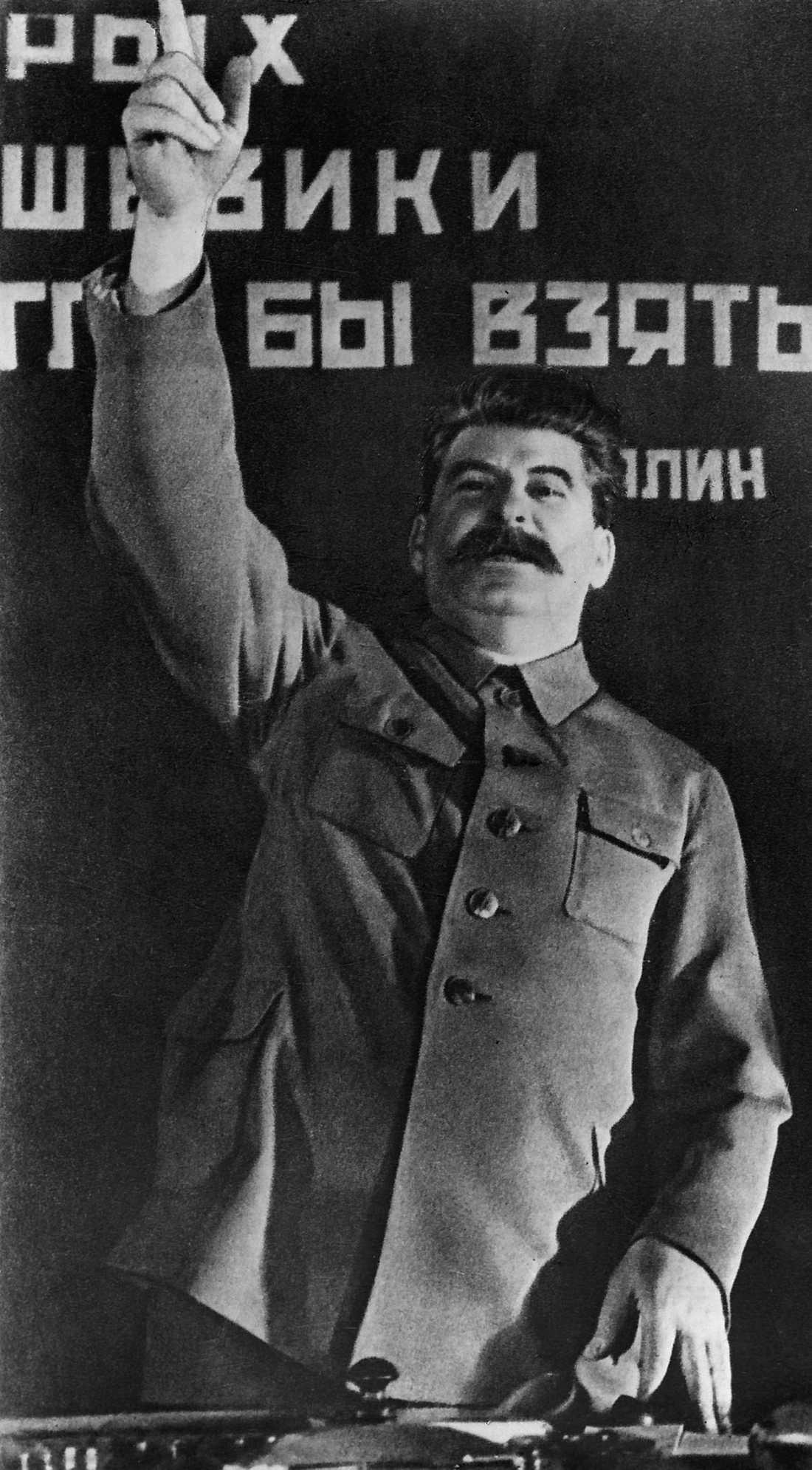 I STALINS FOTSPÅR Diktatorn Josef Stalin krigade mot slöjor i det forna Sovjetunionen.