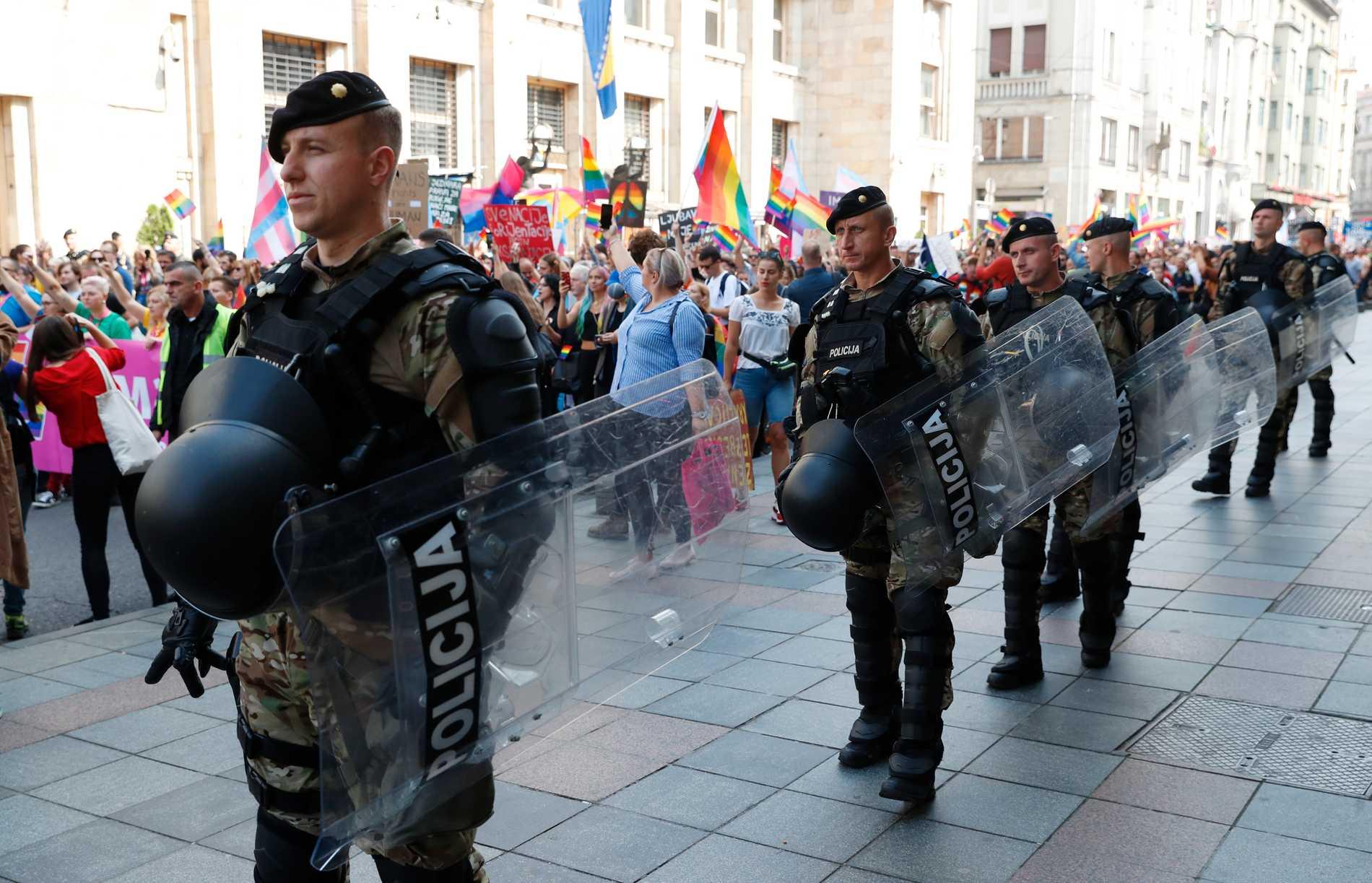 Första Prideparaden i Bosnien och Hercegovina.