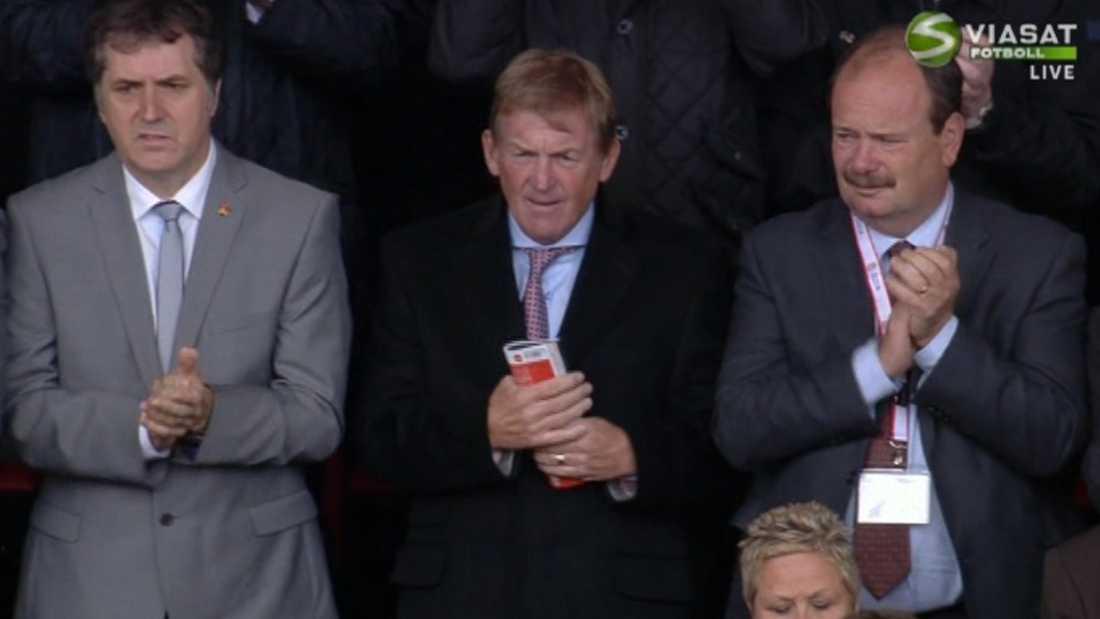 Kenny Dalgish var på plats på Anfield. Foto: Viasat