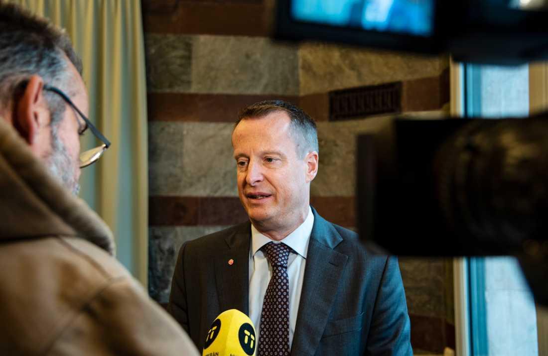 Digitaliseringsminister Anders Ygeman (S) vill kunna stoppa företag som inte uppfyller säkerhetskraven från att delta i 5G-utbyggnaden.