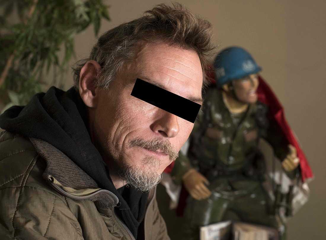 Holländske Jitske Akse misstänks för att ha mördat IS-terrorister. (Bilden har maskats av bildbyrån).