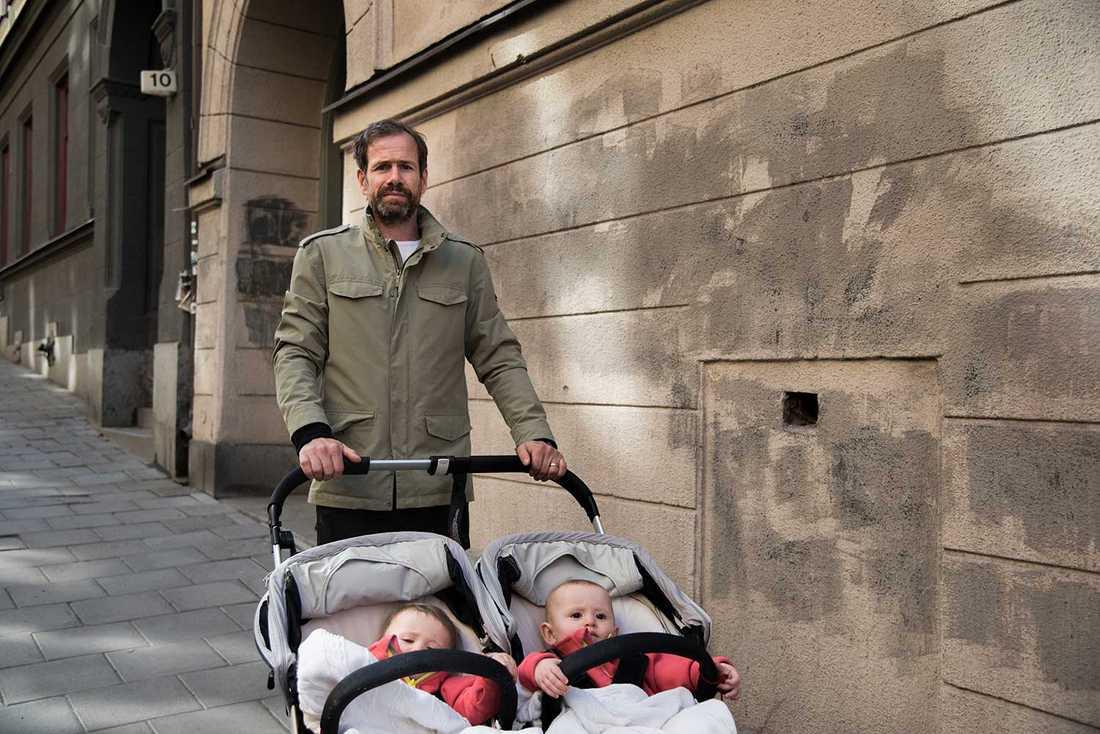 """""""Bostäder är inte politik för mig, det borde tjänstemän lösa i stället"""", säger Niklas Östergren."""