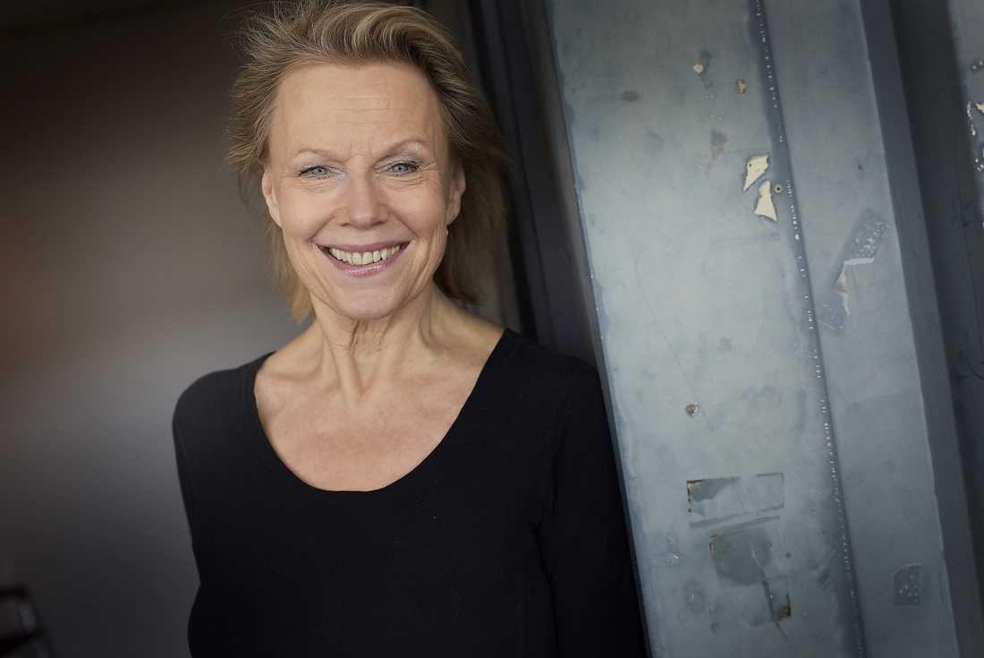 """""""Fantastiska brudar"""" Arja Saijonmaa vill bli en förebild för andra kvinnor i hennes ålder. """"Samhället plåstrar på oss ålderslappar. Det gäller bara att visa och vara ett exempel på att fallet inte är så i dag"""", säger hon."""