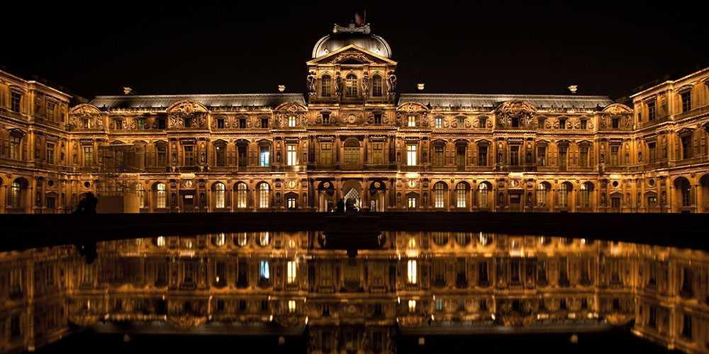 Du får en superlyxig upplevelse på Louvren för 308000 kronor.