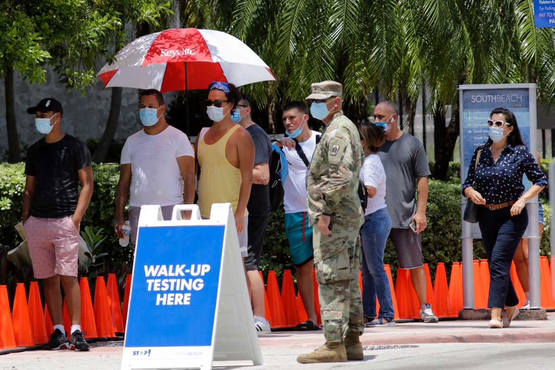 Köer till tester och utdelning av gratis masker är vardag i Miami och i resten av Florida.
