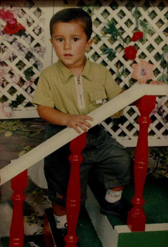 Dubbelmordet i Linköping 19 oktober 2004 attackerades åttaårige Mohammed Ammouri på väg till skolan, mitt på öppen gata, av en okänd gärningsman med kniv. Anna-Lena Svensson, 56, är på väg till jobbet och attackeras troligen av gärningsmannen när hon försöker hjälpa pojken. Båda dör av sina skador. Polisen har mordvapnet och dna från gärningsmannen. Trots omfattande topsningar och hundratals tips har polisen inte kunnat hitta gärningsmannen. Polisen tror att gärningsmannen var mellan 15 och 30 år då brottet begicks.