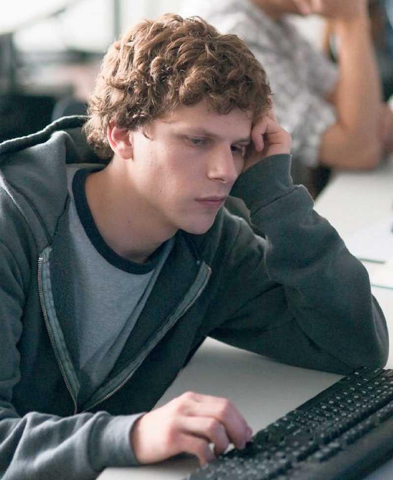 Jesse Eisenber i rollen som Facebook-grundaren Mark Zuckerberg.