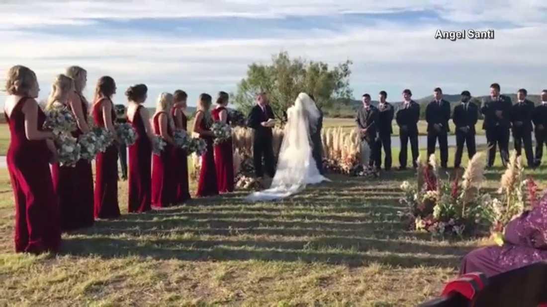 Ceremonin ägde rum på en ranch i Texas, USA.