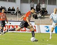 Afonso klipper till från straffområdeslinjen och gör sitt andra mål på två matcher.