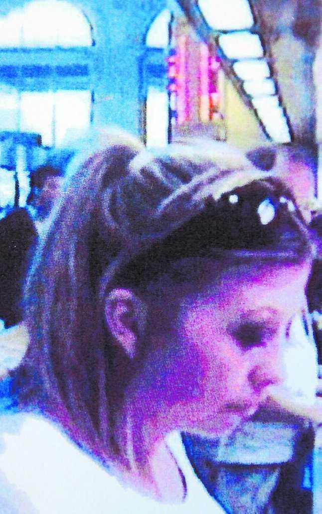 Ingela Jansson fångades av övervakningskameran när hon försökte lura till sig pengar från Forex i Stockholm.