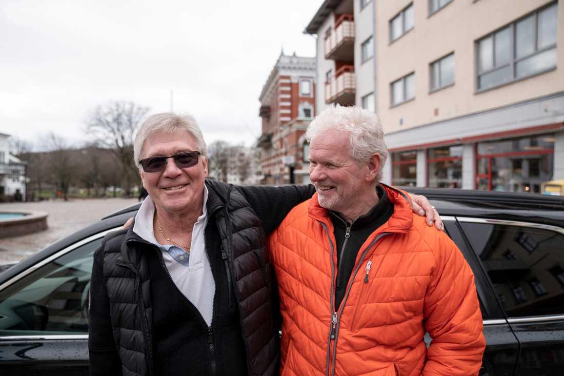 """Mikael Magnusson och Lars-Olof Olsson hoppas att utbyggnaden i Lysekil blir av. """"Jag förstår att de som bor på vissa håll är oroliga. Men jag hoppas ändå att det blir av"""", säger Lars-Olof Olsson."""