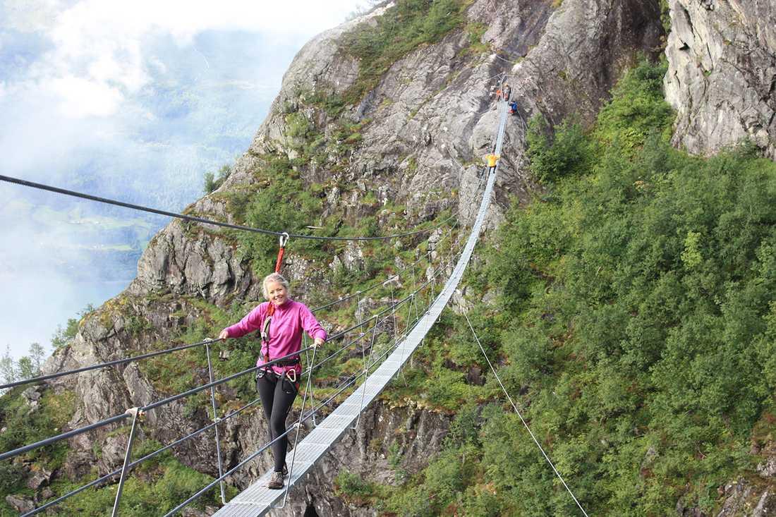 Johanne Heggheim, 22, var första kvinna över nya, 160 meter långa bron i Norge.