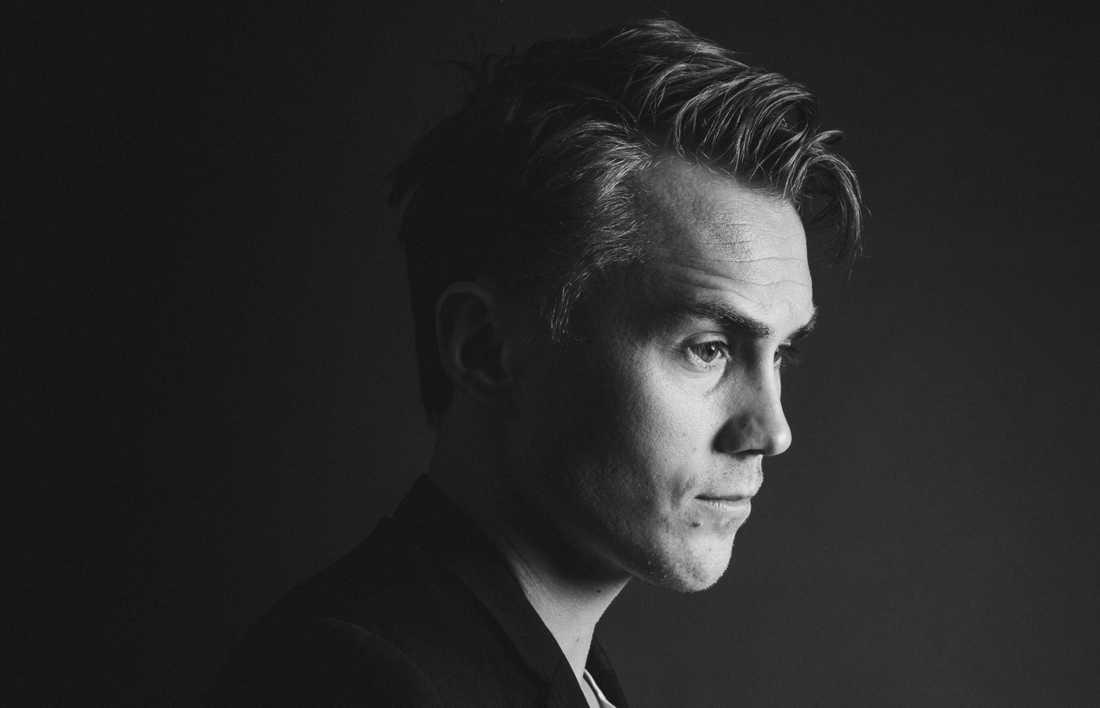 """Den begåvade Viktor Olsson är tillbaka. Tredje albumet """"Allt jag ville säga"""" kommer i höst."""