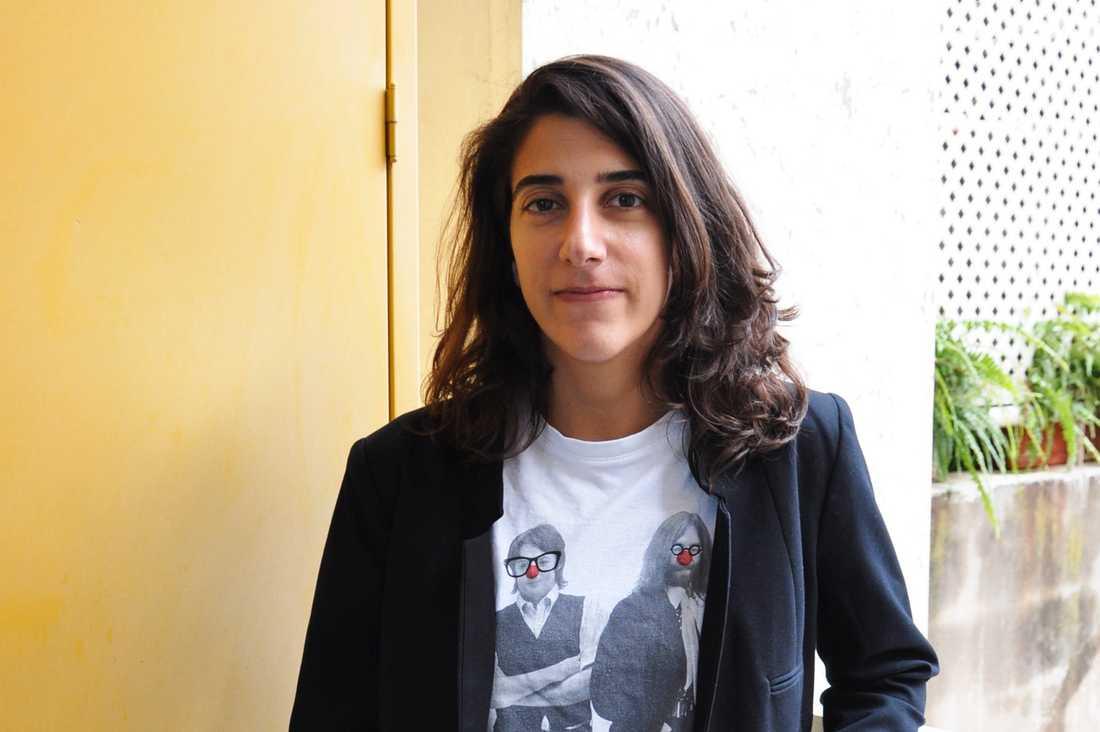 Mia Azar drabbas personligen av lagen. Eftersom hon är kvinna och gift med en brittisk man kan hennes dotter inte få libanesiskt medborgarskap.