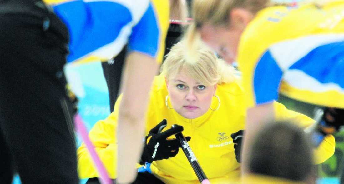"""""""vi får det tufft"""" Anette Norberg har ett nytt lag efter OS-succén. Nu ställs gänget inför sitt tuffaste test hittills. Foto: AP"""