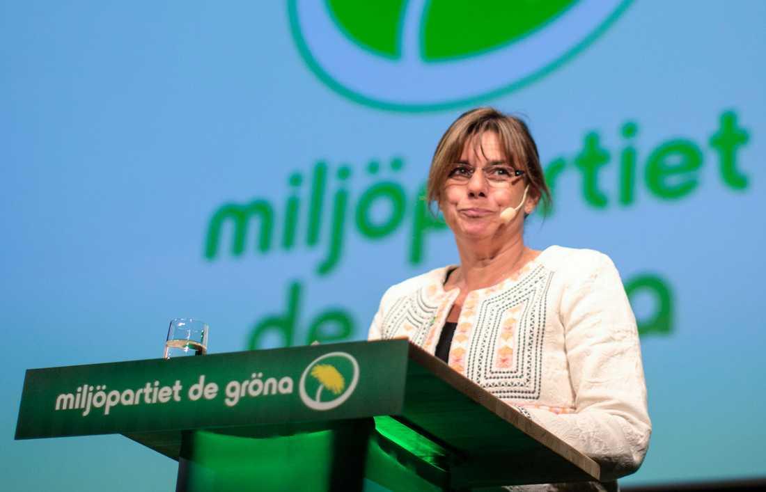 Isabella Lövin, nya MP-språkröret, blirminister för internationellt utvecklingsarbete och klimat. Hon tar också över titeln som vice statsminister.