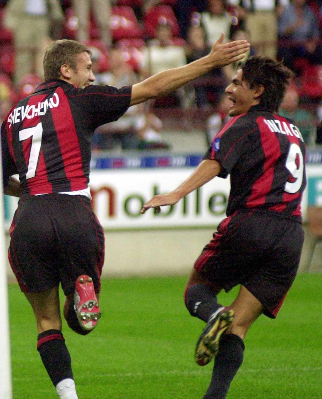 Filippo jublar med Andrij Sjevtjenko. Efter Inzaghis mål mot Real Madrid står de på lika många Champions League-mål för Milan, 29 var.