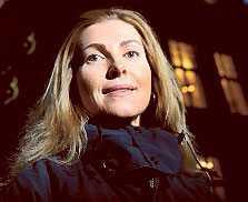Karin Mattsson Weijber tycker inte att Riksidrottsstyrelsen har tillräckligt med information för att fatta beslut i bolagiseringsfrågan. Nu kan ett beslut tidigast fattas 2011.