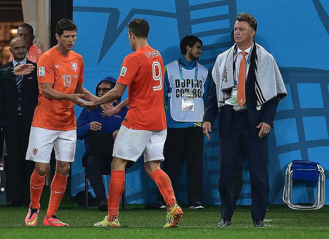 I den 96:e minuten gick van Persie ut, och Huntelaar in.