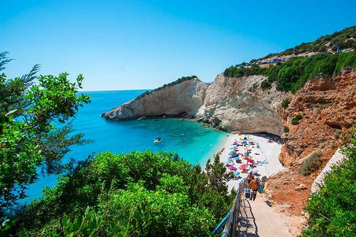 Lefkas i Grekland är en av platserna du kan resa billigt till just nu.