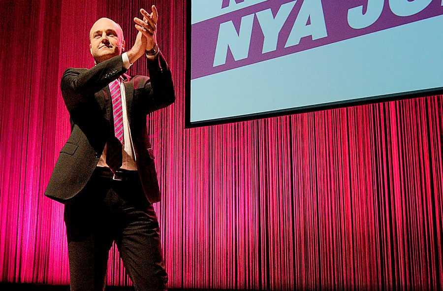 Scennärvaro?  Fredrik Reinfeldt – en skådespelare? Och är Per Schlingmann i själva verket Samuel Beckett för 2010-talet?