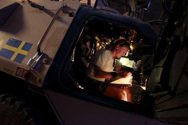 Aftonbladet besöker den svenska truppen på plats i Mazar-e-Sharif i norra Afghanistan. Cilla är vagnchef i en sjukvårdsgrupp.