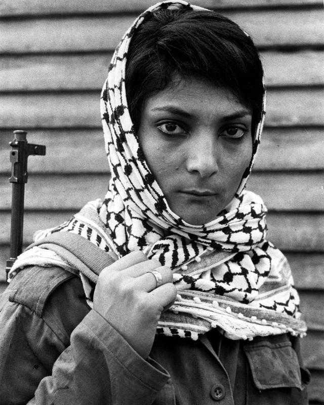Sprängde flygplan I augusti 1969 kapade palestinska Leila Khaled ett flygplan som lyfte från Rom och var påväg mot Tel Aviv. Hon lyckades dirigera om planet till Damaskus i stället. Efter att alla lämnat planet sprängdes det i luften och Khaled greps.