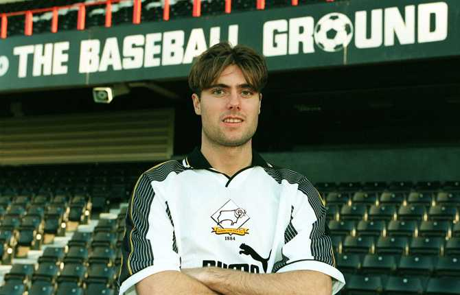 Marino Rahmberg i Derbys matchtröja.