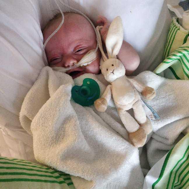 Lilla Jason föddes sju veckor för tidigt.