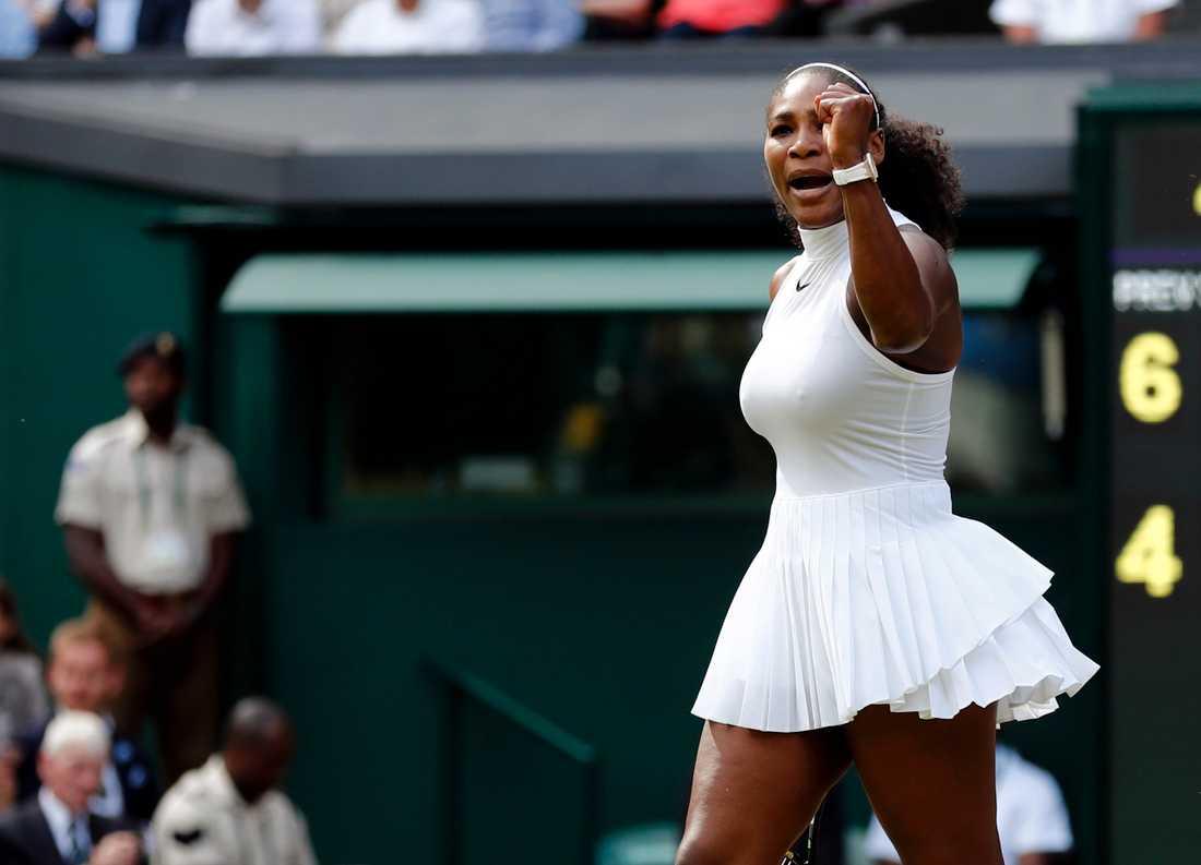Serena Williams slog ryskan Anastasia Pavlyuchenkova i kvartsfinal.