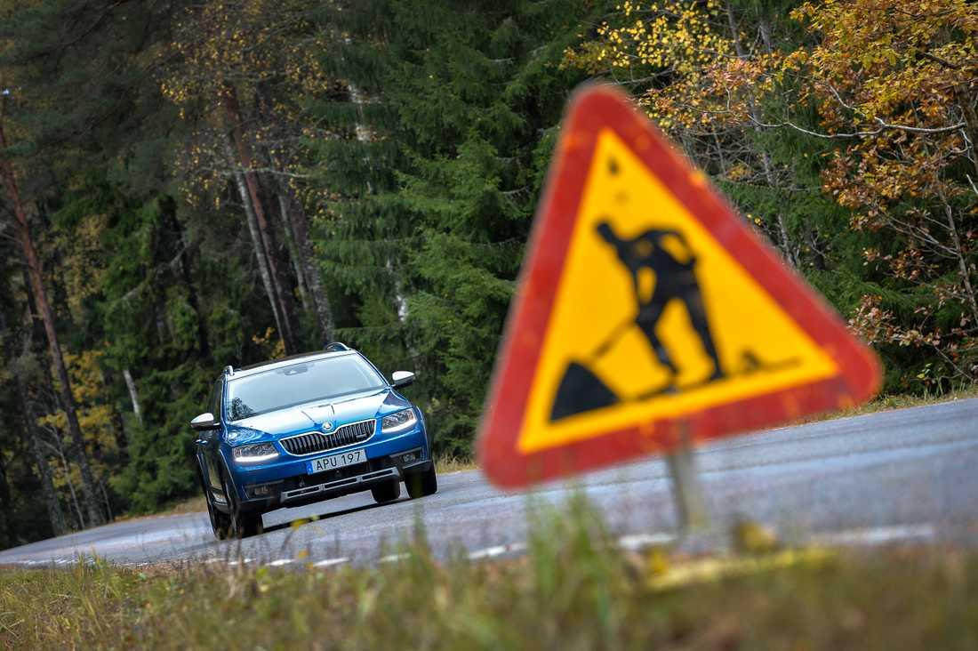 Varning för vägarbete. Arkivbild.