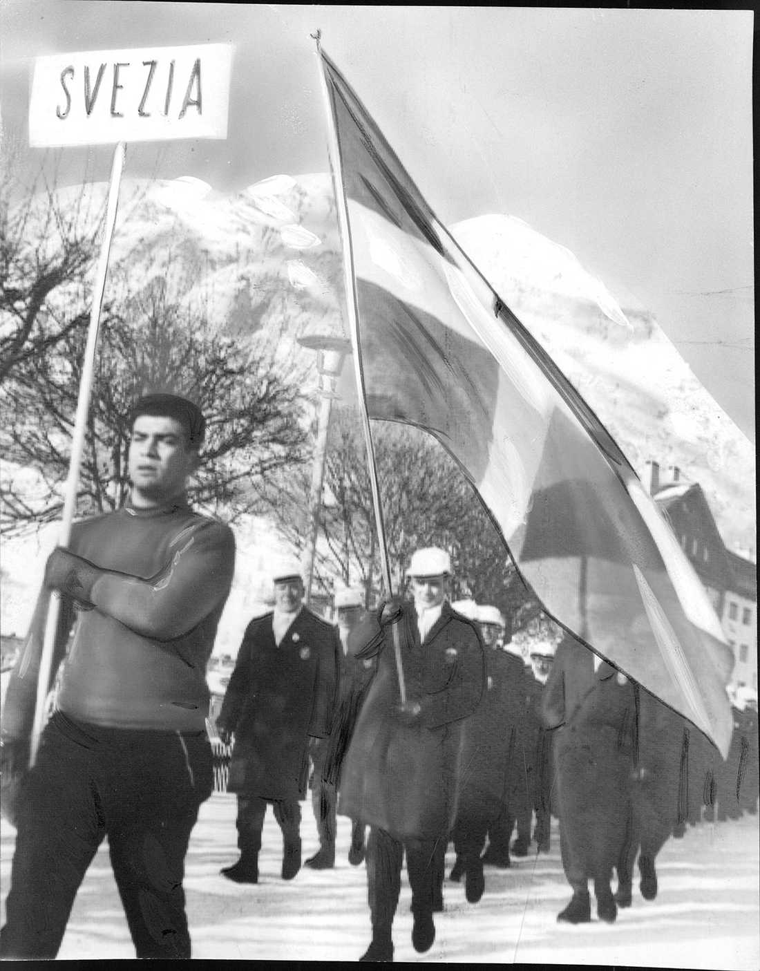 OS 1956 i Cortina, Bror Östman, backhoppare och fanbärare