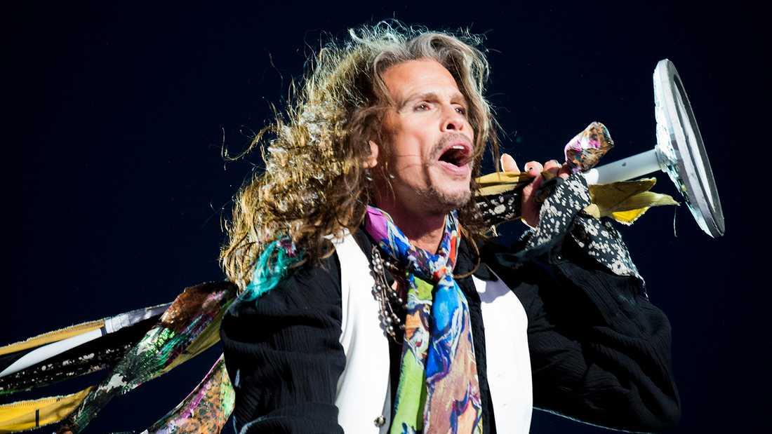 Steven Tyler under Aerosmiths spelning på festivalen.