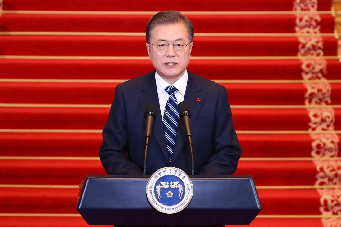Sydkoreas president Moon Jae-In under sitt nyårstal vid presidentresidenset Blå huset i Seoul på tisdagen.