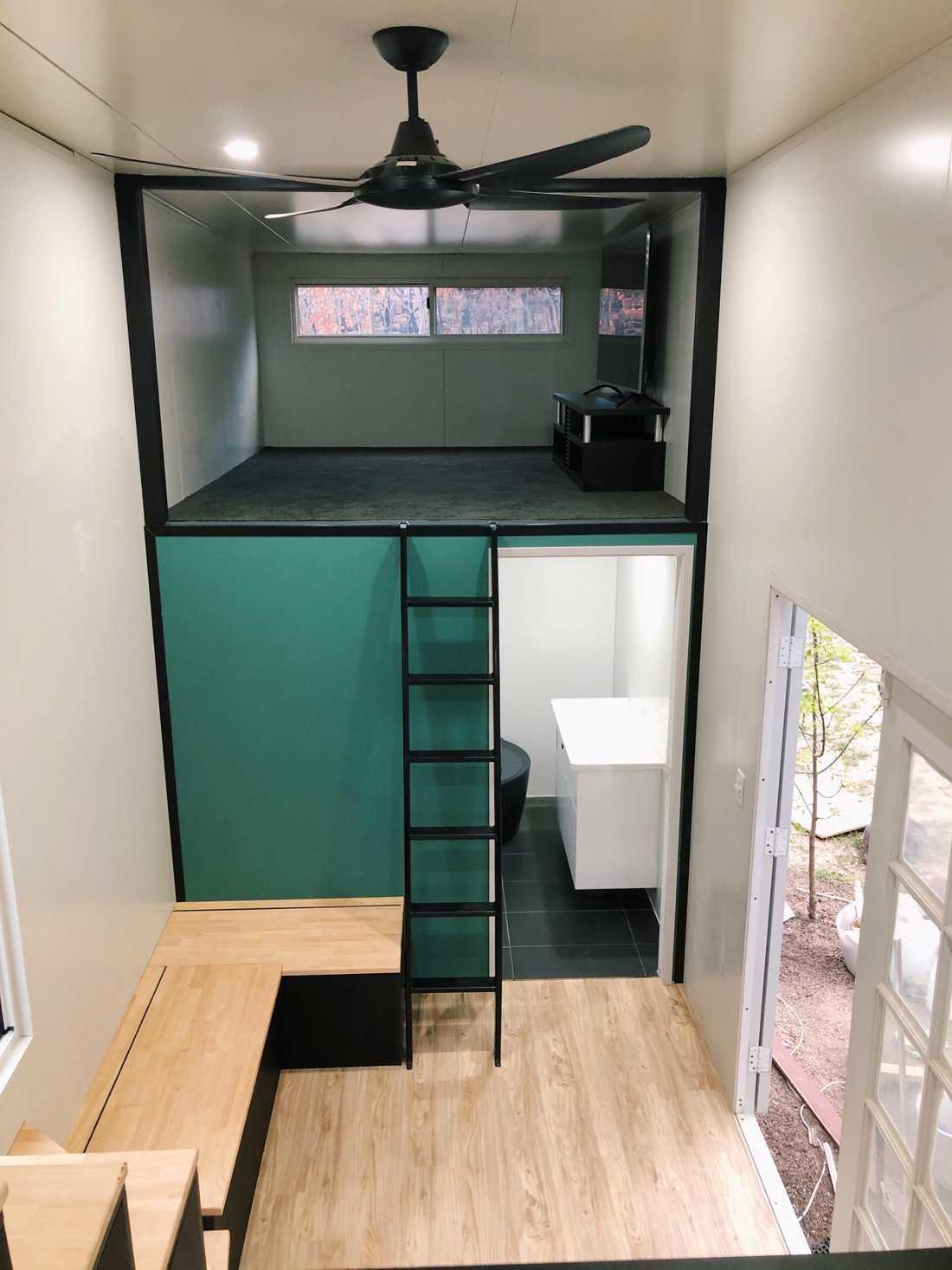 Ena loftet ska fungera som vardagsrum med en tv.