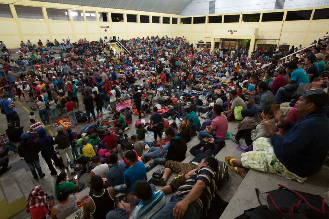 Migranter från Honduras har fått tillfälligt skydd i Guatemala på sin väg mot USA.