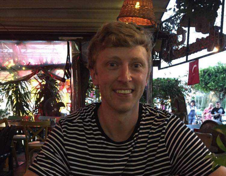 """Alexander Schakonat Elfqvist, 34, riskerar att dö. Han hade åkt till cykelparken i Järvsö med två kompisar för att åka """"downhill""""."""