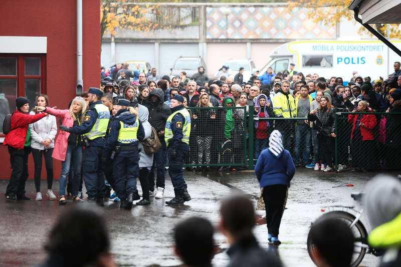 Skolmördaren Anton Lundin Pettersson dödade två och skade två personer i Trolhättan i torsdags. Han sköts sedan av polis och dog senare på sjukhuset.