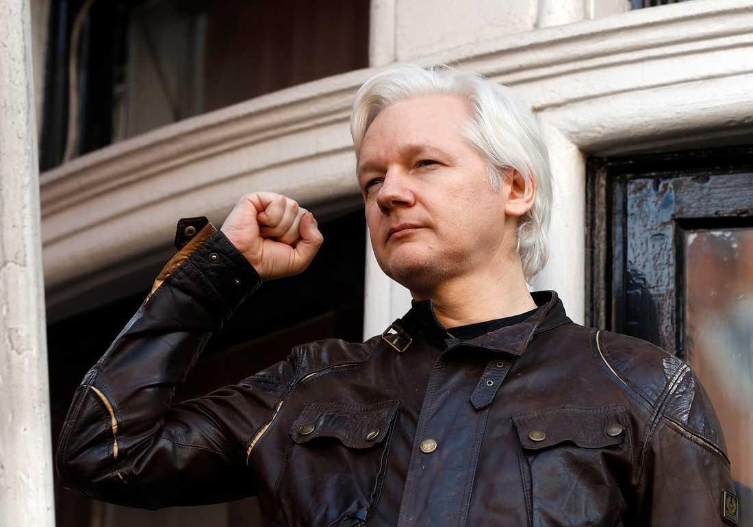 Julian Assange stängde in sig på Ecuadors ambassad – men den märkliga exilen var ingenting annat än slöseri med tid.
