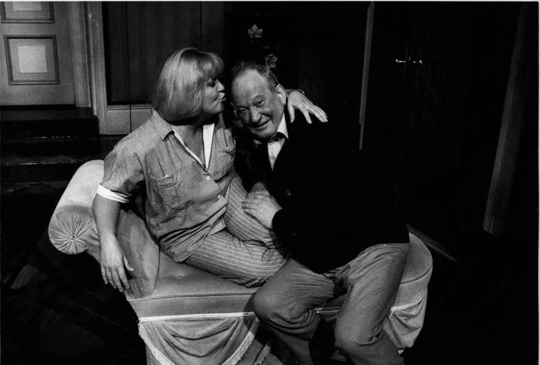 Laila Westersund och Carl-Gustaf Lindstedt repeterar komedin Leva Loppan på Vasateatern i Stocklholm, 1986.